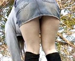 【パンチラ盗撮動画】デニムスカートの屈みパンチラや強烈に食い込んでマンスジ見せてる素人を隠し撮りww