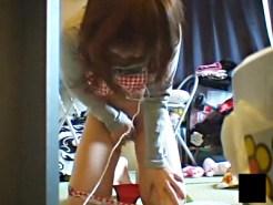 【家庭内盗撮動画】AVを大音量で聞きながら自室で指オナニーをする姉を隠しカメラで盗撮出来たww
