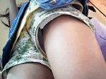 【逆さ撮り盗撮動画】ドンキホーテ店内でホットパンツの美脚素人を粘着ストーキングでリアル盗撮…