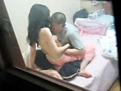 【民家盗撮動画】暇あれば性欲処理をする同棲カップルを1日かけて窓から隠し撮りした結果ww