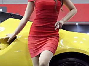 【キャンギャル盗撮動画】4K高画質で撮影…大阪モーターショー2015でボディコンコンパニオンを隠し撮りww