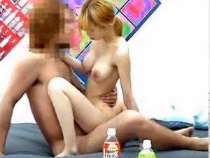 【SEX隠撮動画】細い身体にこの乳は反則ww家出してきた金髪ギャルを泊める代わりに即ハメ隠しカメラ撮りww