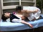 【昏睡レイプ盗撮動画】腕の動脈に睡眠作用のある注射を女子校生に打った悪徳医師の隠しカメラ撮り映像…