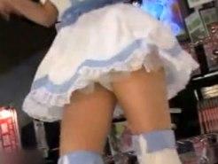 【パンチラ盗撮動画】アイドルイベントではミニスカアイドルの下着を狙う盗撮が多すぎる件ww