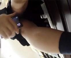 【逆さ撮り盗撮動画】リアル過ぎる映像…DVDレンタルショップ内で女子校生やミニスカ素人に近付き接写撮りww