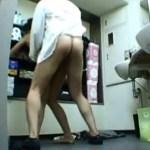 【色恋営業盗撮動画】同期キャバ嬢潰し…担当マネージャーと控室でセックスする様子を隠しカメラ撮りww