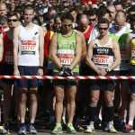 London Marathon Runners Hold Moment of Silence for Boston Marathon Victims: VIDEO
