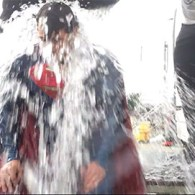 'Superman' Henry Cavill Takes The Ice Bucket Challenge In His Skintight Suit: VIDEO
