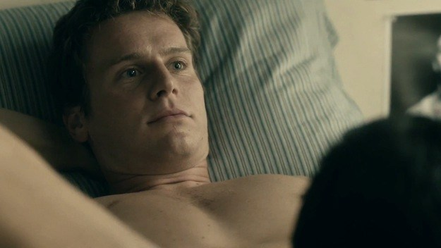 ... Covers and What It's Like to Film a Gay Sex Scene - LISTEN - Towleroad: www.towleroad.com/2015/12/dick-socks-and-anal-covers-jonathan-groff...