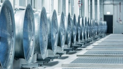 fans-cooling-datacenter-with-outside-air_facebook-e1374093104825