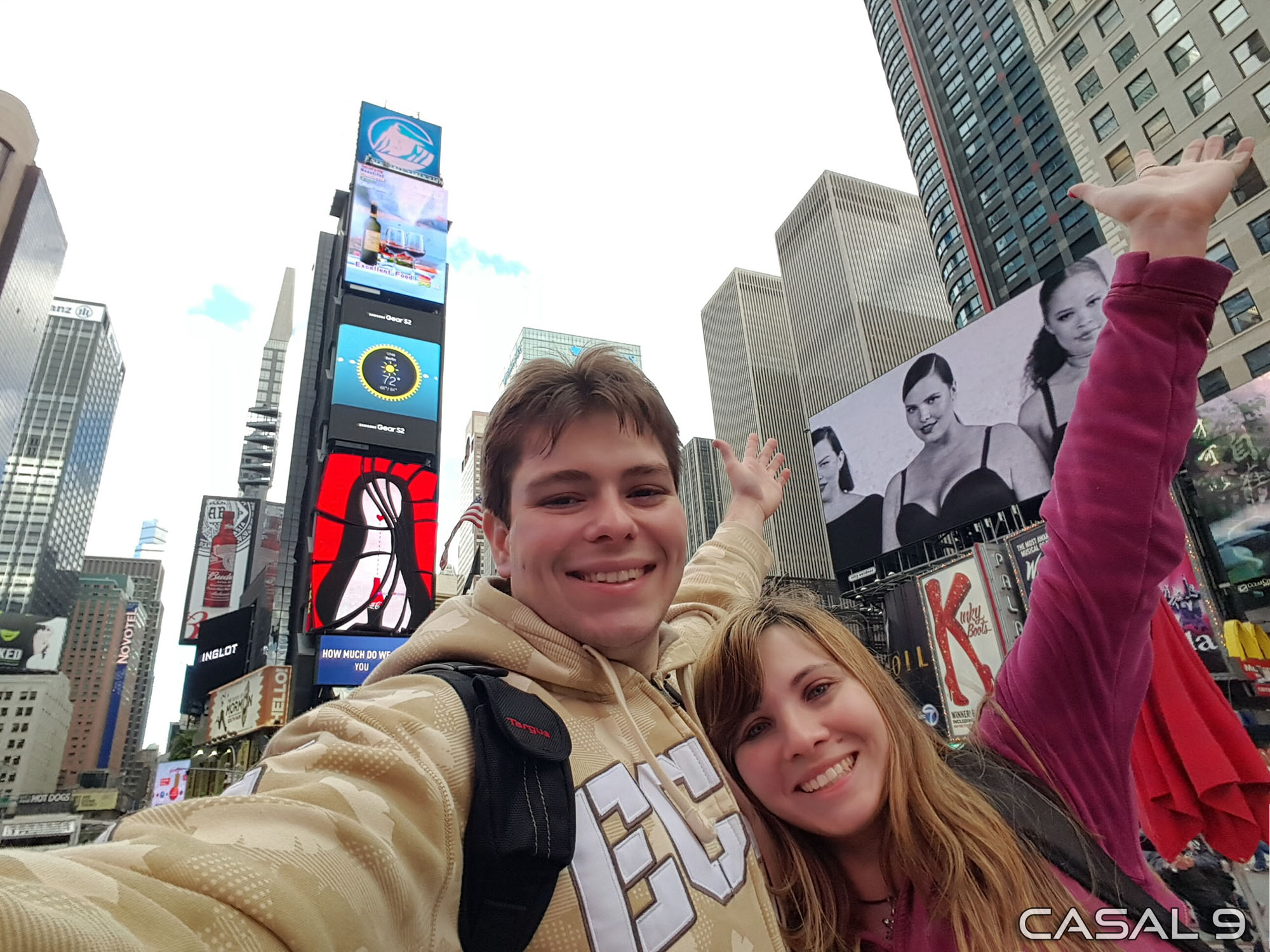 Times Square - Casal 9