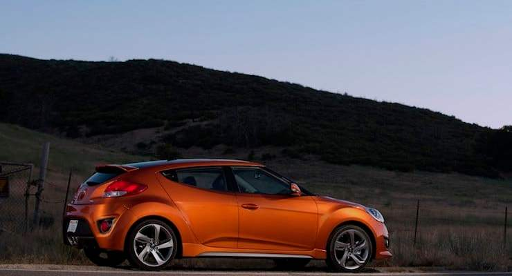 2015-hyundai-Veloster_Turbo_review-lead