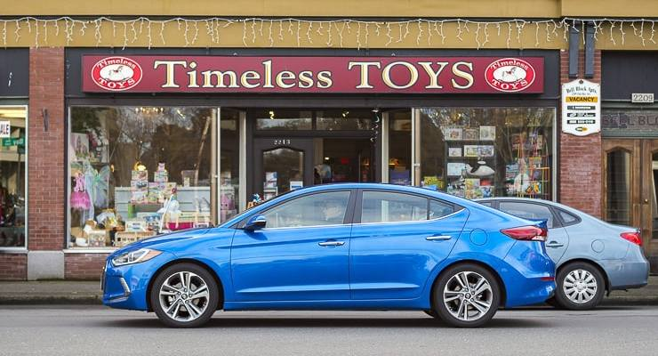 2017 hyundai elantra review (5 of 29)