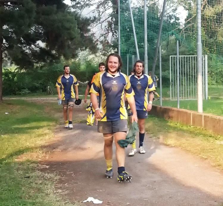 I giocatori dell'ATRC escono dal campo di Como dopo la vittoria nel test-match