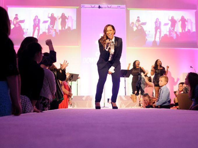 Fashion show (1)h
