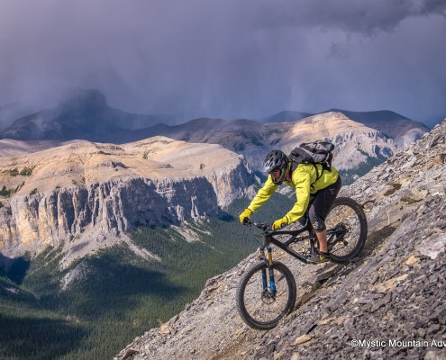 black-rock-mountain-biking-steep-descent