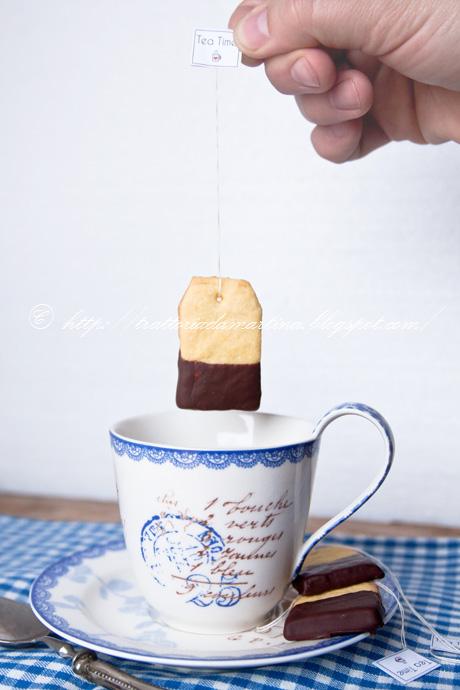 Biscotti a forma di bustina di the
