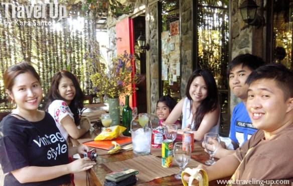 group shot lunch at park, rest & dine
