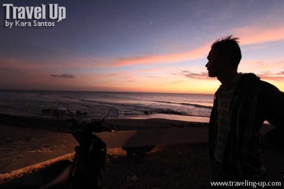 12. vigan mindoro beach