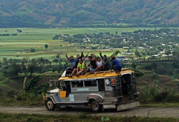 quirino province topload jeepney photo by eazytraveler
