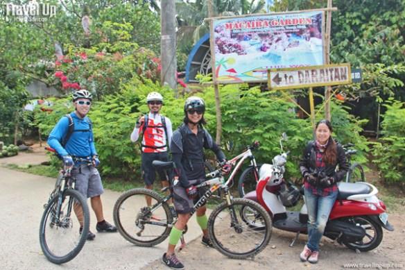 05. group shot at daraitan sign