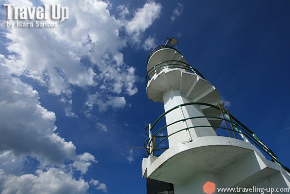 tanay parola lighthouse sky