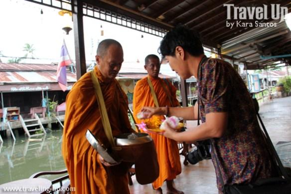 day 4 monks alms thanicha resort amphawa thailand
