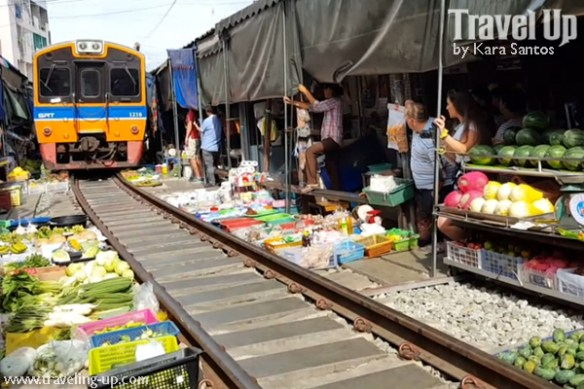 day 3 rom hub maeklong market thailand train tracks