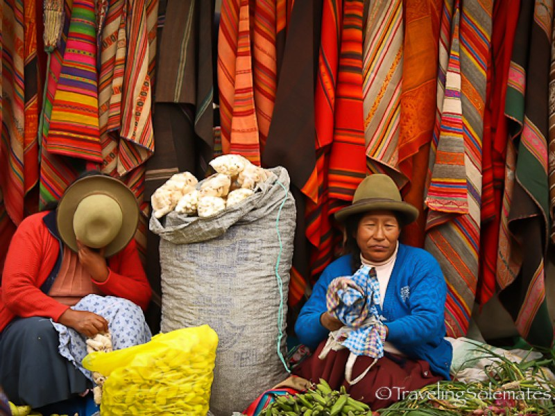 Vendors, Pisac Market in Peru