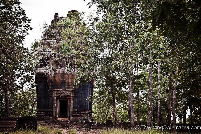 Prasat Neang Khmau, Koh Ker, Cambodia