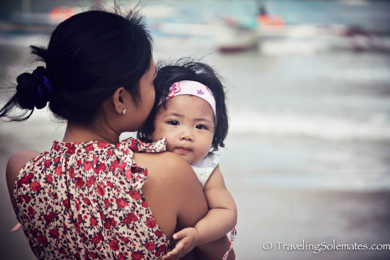 Mother and child in El Nido, Palawan, Philippines