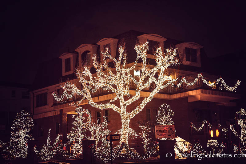 christmas lights in dyker heights brooklyn new york