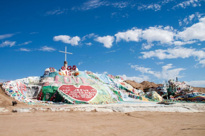 20141017_132323_099_Salvation_Mountain_IMG_5774