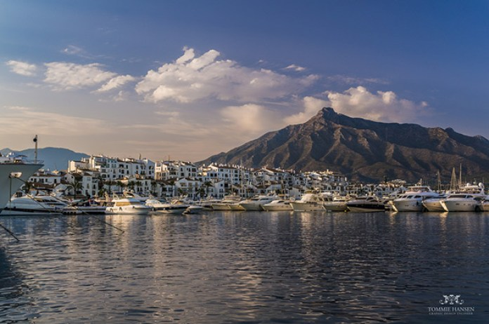 photo credit: Harbour and mountain backdrop in Puerto Banos, Marbella (Spain) via photopin (license)