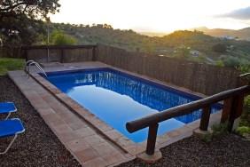 Pool bei Sonnenaufgang