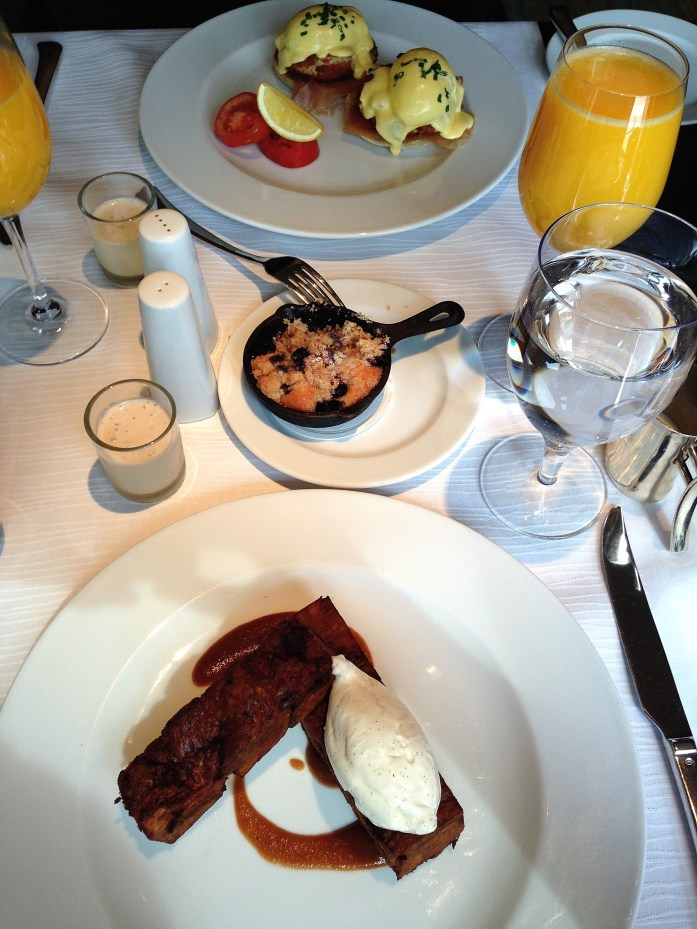 the-umstead-hotel-and-spa-in-cary-north-carolina-crabcake-eggs-benadict