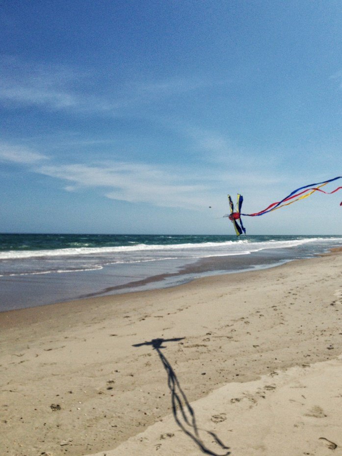 Things-to-do-in-the-Outer-Banks-Ocracoke-Island-flying-kite-beach-2