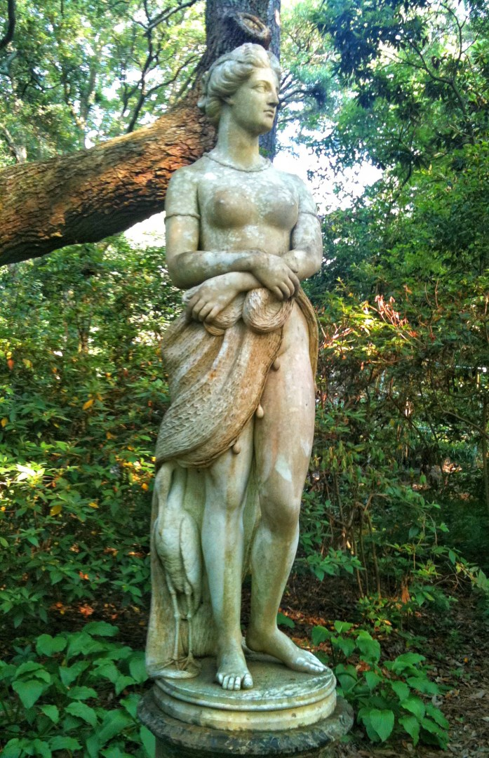Elizabethan-Gardens-Roanoke-Island-things-to-do-in-the-outer-banks-statue-2