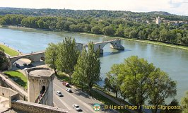 Pont d'Avignon and a Shepherd's Divine Mission