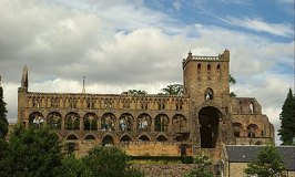 Jedburgh Abbey – A Castle in Scotland's Border Country