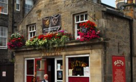 Edinburgh Pubs and Bars Where Locals Tread