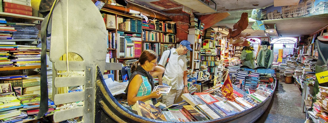 Libreria Acqua Alta - A Hidden Gem in Venice