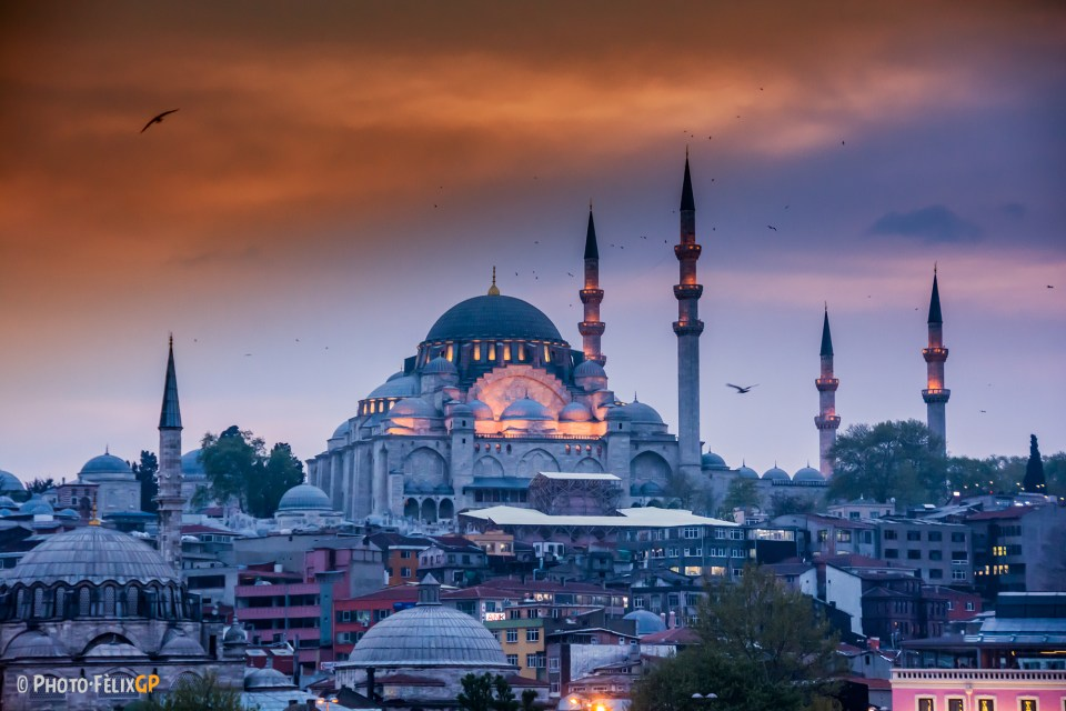 Süleymaniye Mosque in Istanbul at sunset