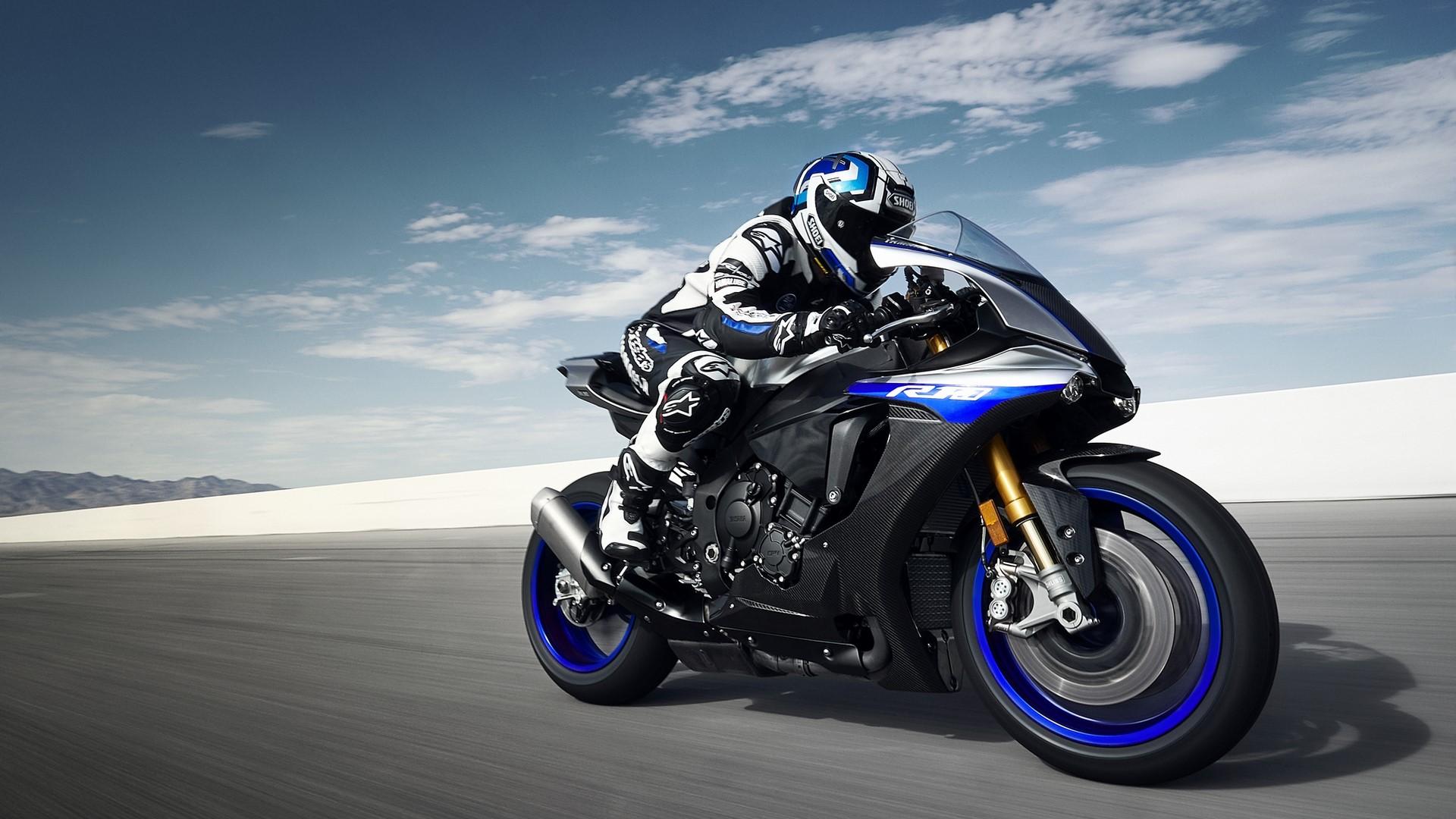 2018-Yamaha-YZF1000R1SPL