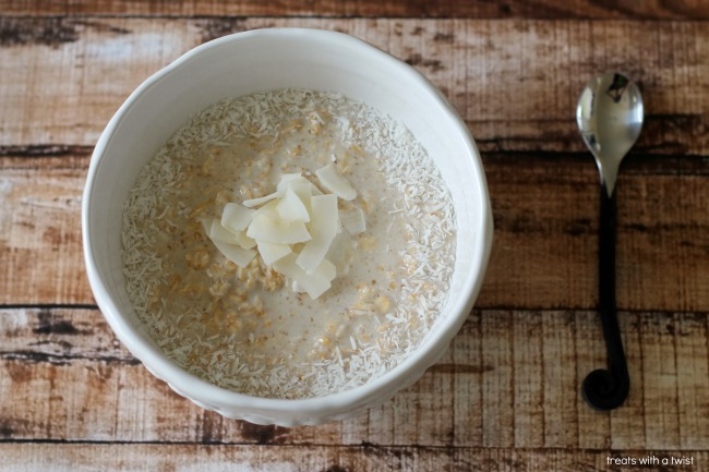 Coconut Cream Pie Oats (treatswithatwist.com)