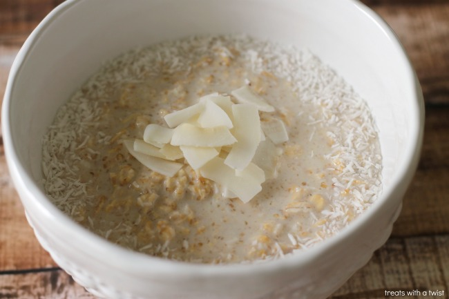 Coconut Cream Pie Oats (treatswithatwist.com)