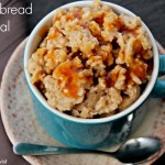 Gingerbread Oatmeal (treatswithatwist.com) #glutenfree #healthy #breakfast