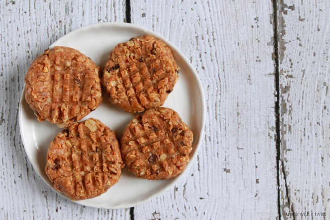 Raw Almond Chocolate Chip Cookies // treatswithatwist.com