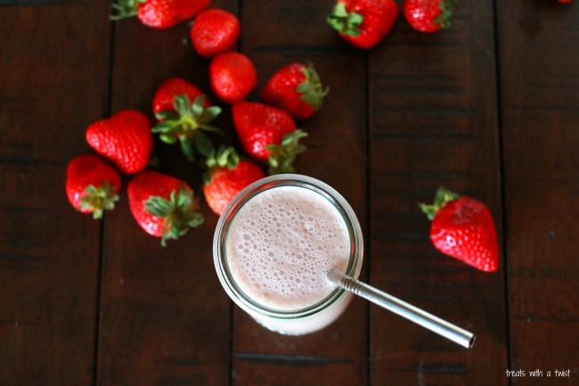 Strawberry Cashew Smoothie 3