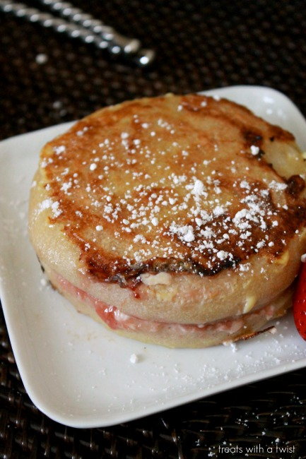 strawberry stuffed french toast 5